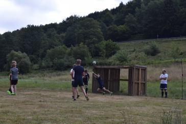 Selbst bei selbstgebauten Toren fiel in diesem Jahr ein Treffer nach dem anderen...